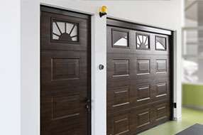 Боковая дверьдля гаражных ворот АЛЮТЕХ