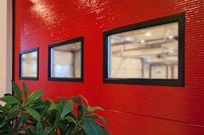 Встроенные окна для гаражных ворот АЛЮТЕХ